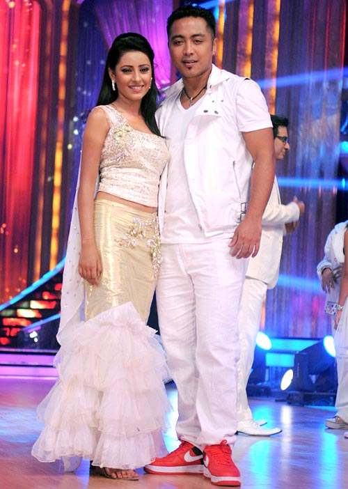 Pratyusha Banerjee with choreographer Deepak