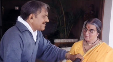 Amrish Puri and Kama Haasan in Chachi 420
