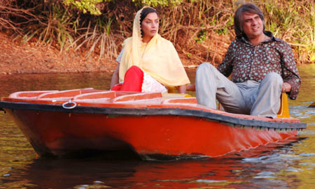 Shabana Azmi and Boman Irani in Honeymoon Travels Pvt Ltd