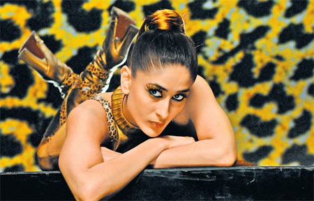 Kareena Kapoor in Golmaal Returns