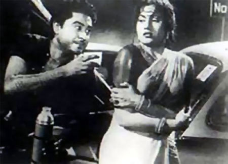 Kishore Kumar and Madhubala in Chalti Ka Naam Gaadi