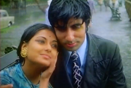 Amitabh Bachchan and Moushumi Chatterjee in Manzil