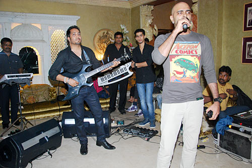 Mika Singh and Raghu Ram
