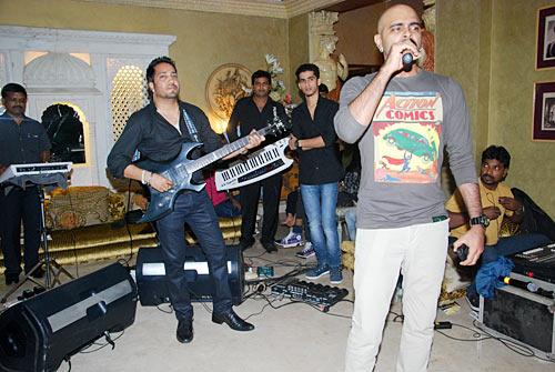 Mika Singh and Raghu Ram