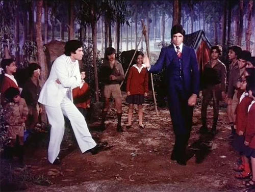 Amitabh Bachchan in Do Aur Do Paanch