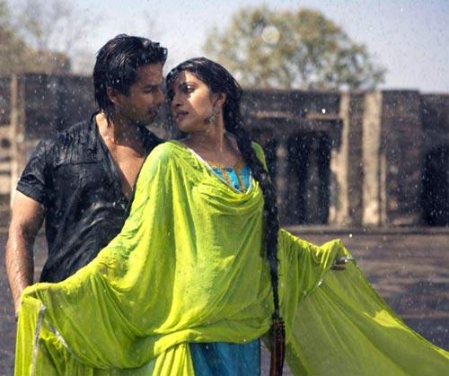 A scene from Teri Meri Kahaani
