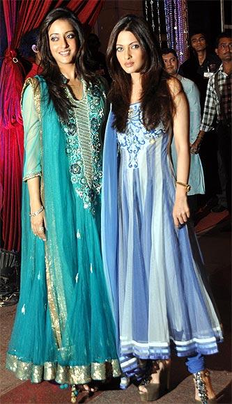 Raima and Riya Sen