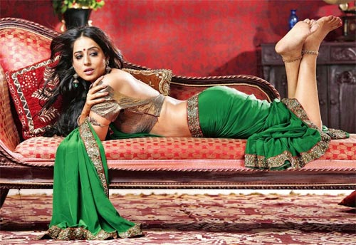 Mahie Gill in Saheb Biwi and Gangste