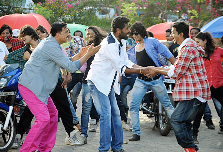 Prabhu Deva, Akshay Kumar and Vijay in Rowdy Rathore