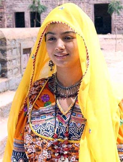 Ayesha Takia in Dor