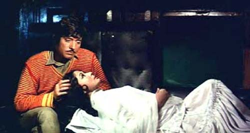 Raaj Kumar and Meena Kumari in Pakeezah