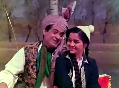 Joy Mukherjee and Asha Parekh in Phir Wohi Dil Laya Hoon