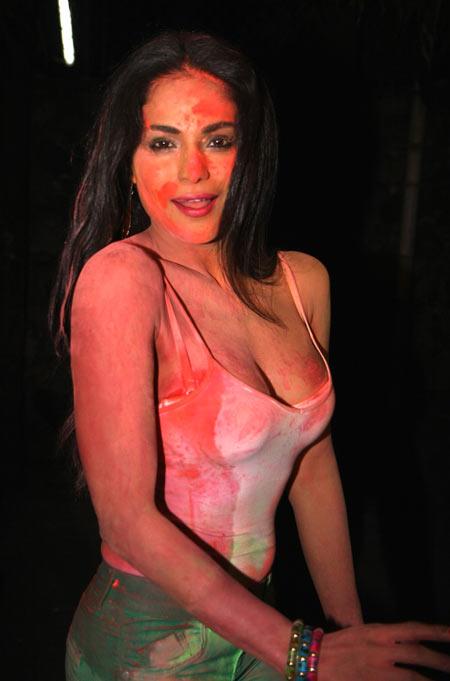 horny-nude-veena