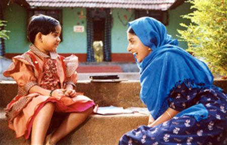 Meera Jasmine, Paadam Onnu: Oru Vilapam (2004)