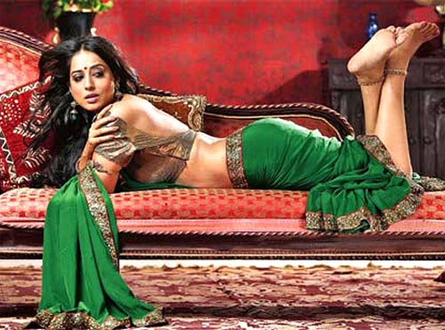 Mahie Gill Latest Hot Picture