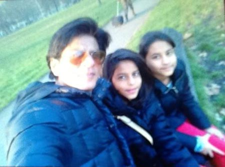 Shah Rukh Khan with daughter Suhana and her friend
