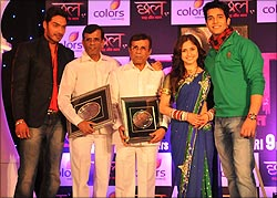 Abbas-Mustan with the show's cast