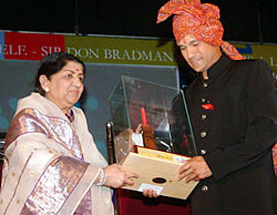 Lata Mangeshkar and Sachin Tendulkar