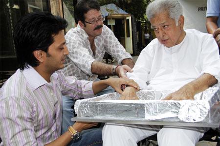 Ritesih Deshmukh, Kunal Kapoor and Shahi Kapoor