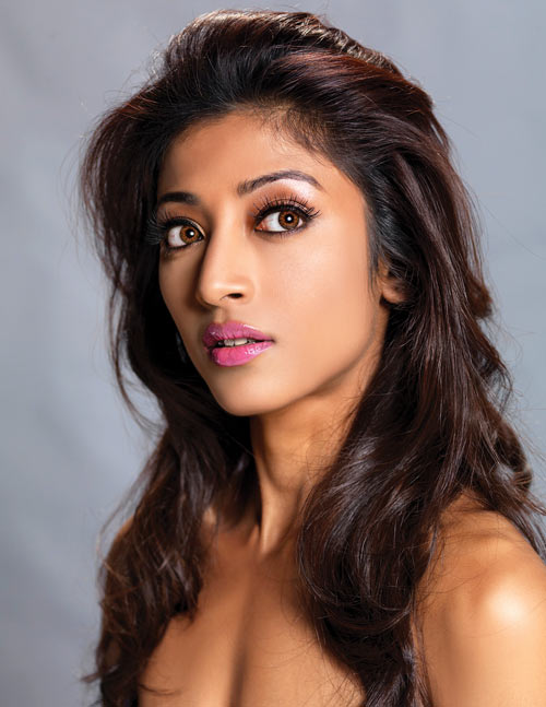 Paoli Dam and Mohan Kapoor in Hate Story