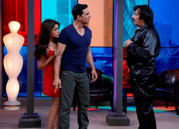 Asin, Akshay Kumar and Ranjeet in Housefull 2