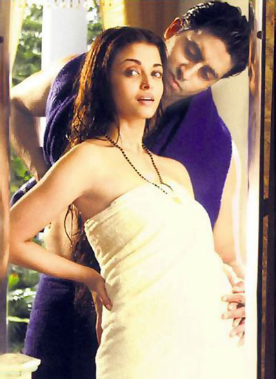 Aishwarya Rai and Abhishek Bachchan in Guru