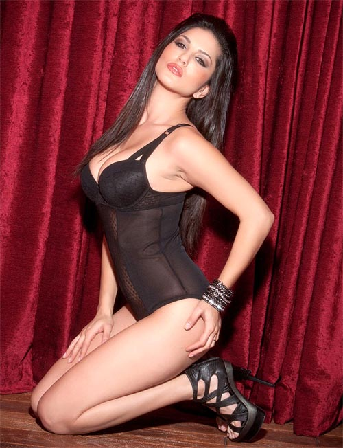 Sunny Leone Gets Ready For Jism 2