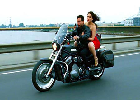 Saif Ali Khan and Kareena Kapoor in Agent Vinod