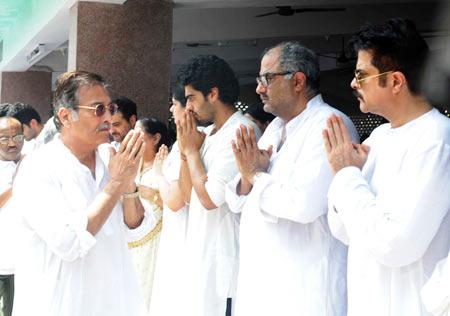Vinod Khanna, Arjun Kapoor, Boney Kapoor and Anil Kapoor