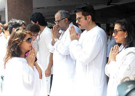 Madhuri Dixit, Arjun Kapoor, Boney Kapoor and Anil Kapoor