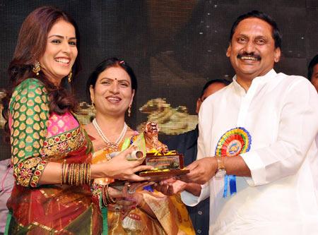 Genelia D'Souza, D K Aruna and Kiran Kumar Reddy