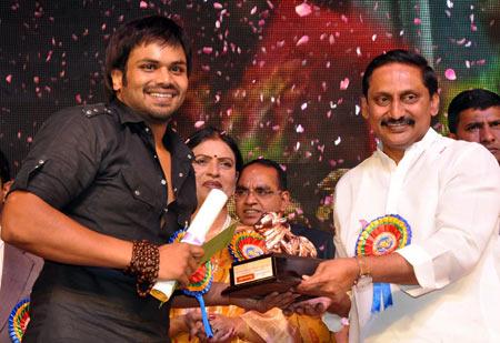 Manoj Manchu, D K Aruna and Kiran Kumar Reddy