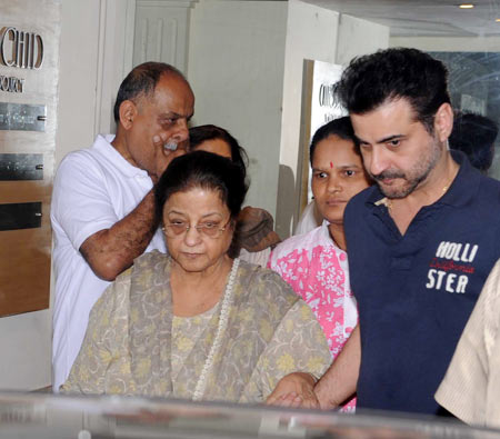 Sanjay Kapoor with his mother