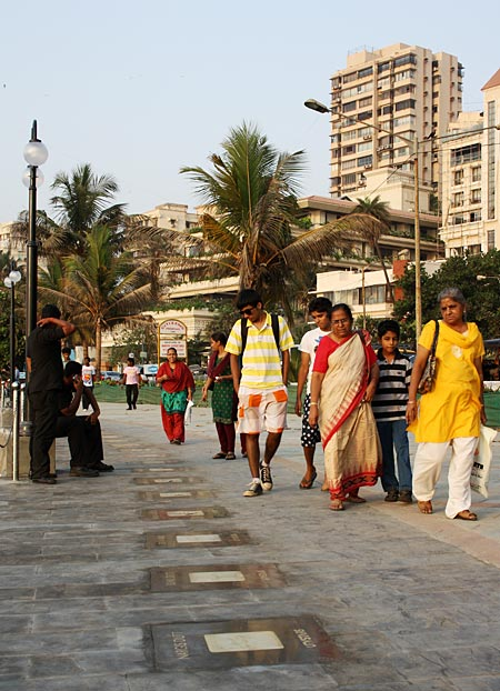 Onlookers at the Bandstand promenade
