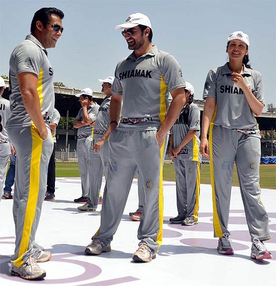 Salman Khan, Arbaaz Khan and Eesha Kopikkar