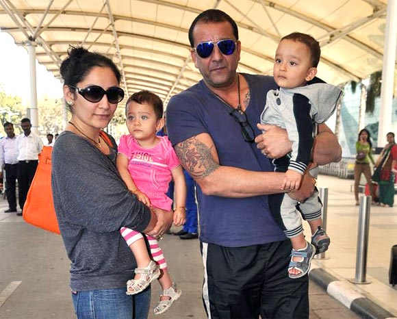 Manyata and Sanjay Dutt with thiew kids