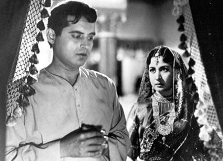 Guru Dutt and Meena Kumari in Sahib Bibi Aur Ghulam