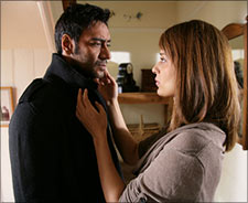 Ajay Devgn and Kangna Ranaut in Tezz