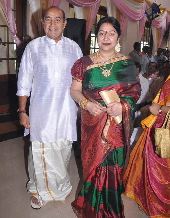 Vjayakumar with wife Manjula