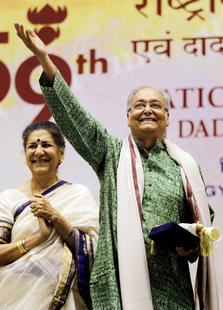 Ambika Soni and Soumitra Chatterjee