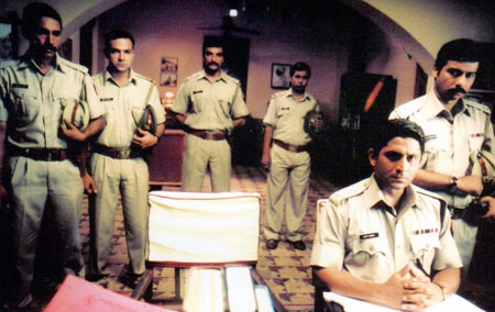 Arshad Warsi (second from right) in Sehar