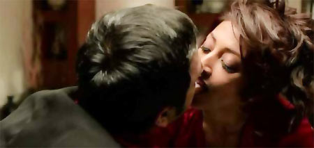 Gulshan Deviah and Paoli Dam in Hate Story