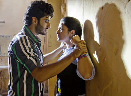 Arjun Kapoor and Parineeti Chopra in Ishqzaade