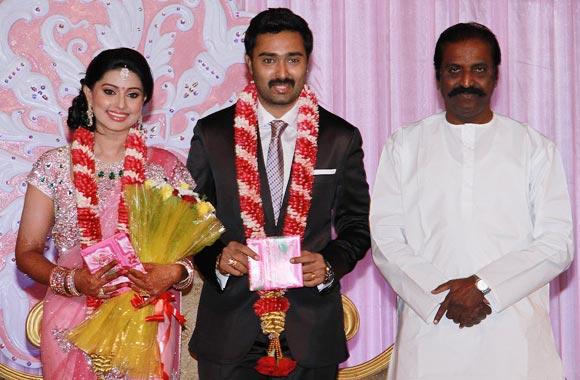 Vairamuthu with the newlyweds