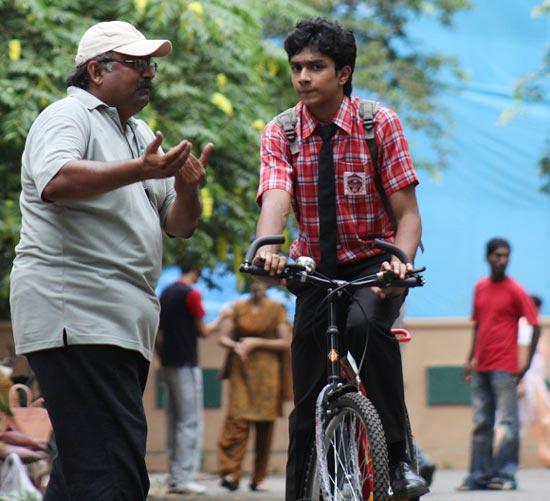 Balaji Saktivel explains a scene