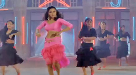 Madhuri Dixit in Dil