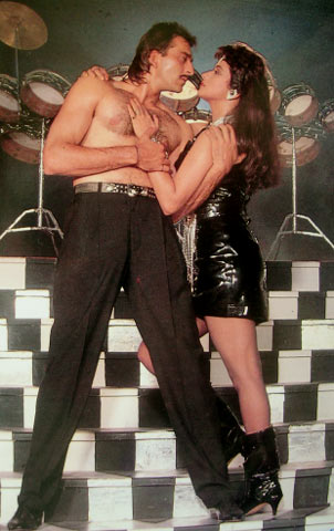 Madhuri Dixit in Thanedaar