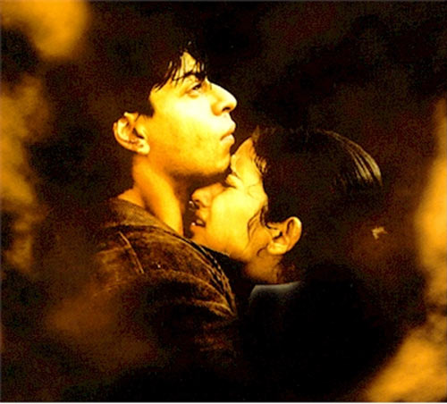 Shah Rukh Khan and Manisha Koirala in Dil Se...