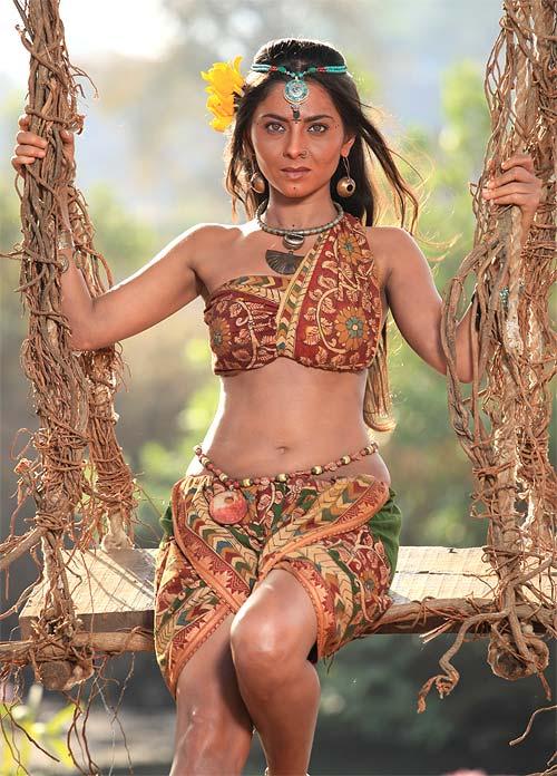 Sonalee Kulkarni in Ajintha