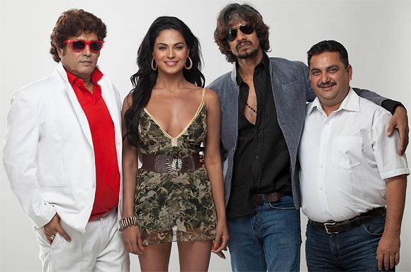 Aanand Balraj, Veena Malik, Vijay Raaz and Deepak Bali